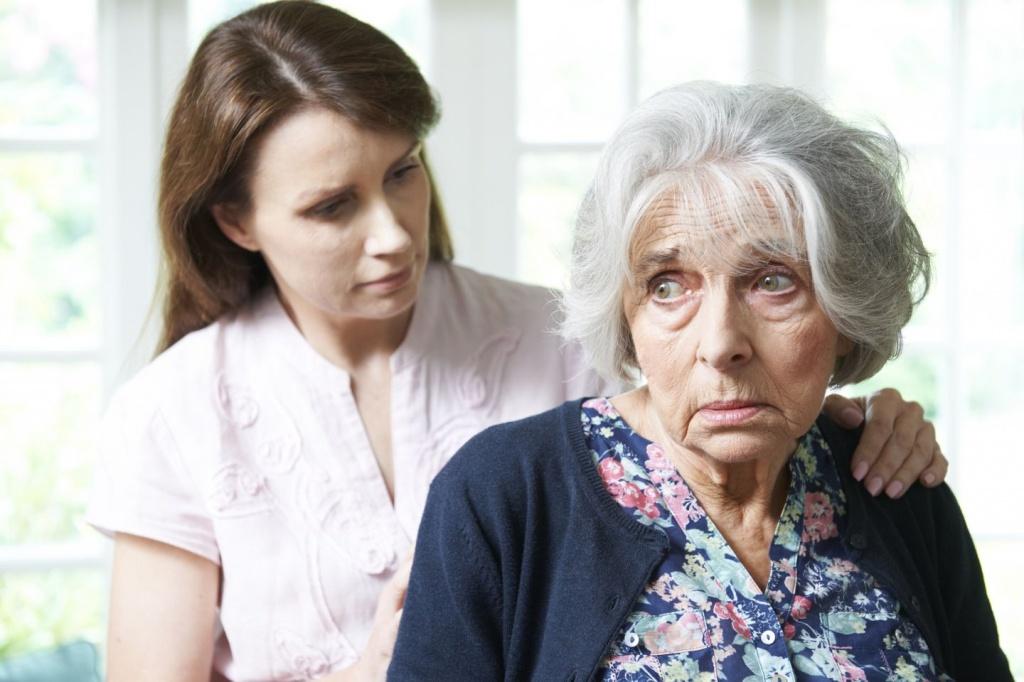 Деменция у пожилых людей: симптомы, лечение и уход, лекарства, как проявляется агрессия?