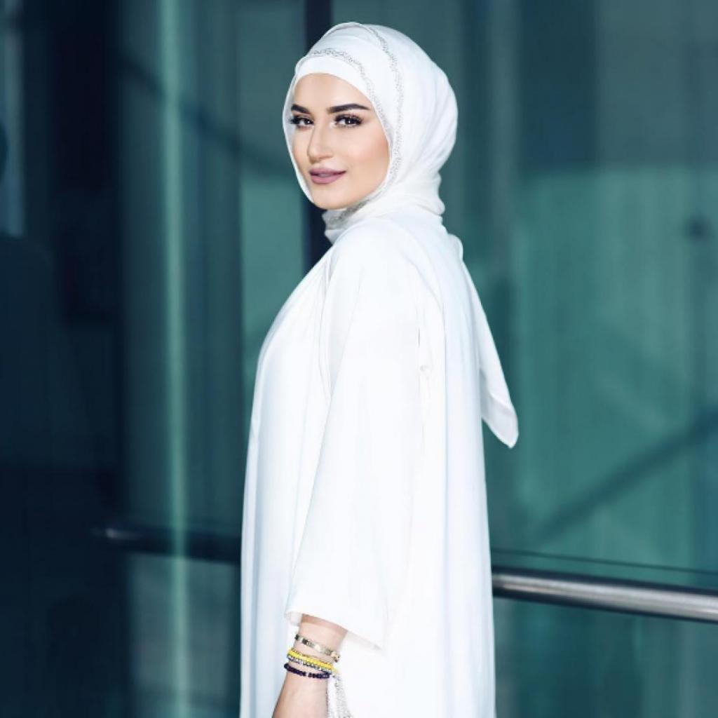 Что мешает женщине надеть хиджаб?