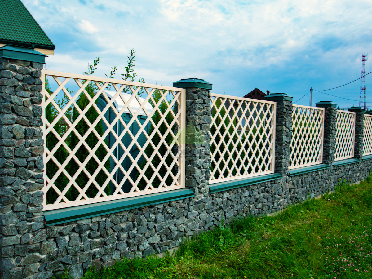 Из чего можно сделать забор на даче: советы по выбору материалов
