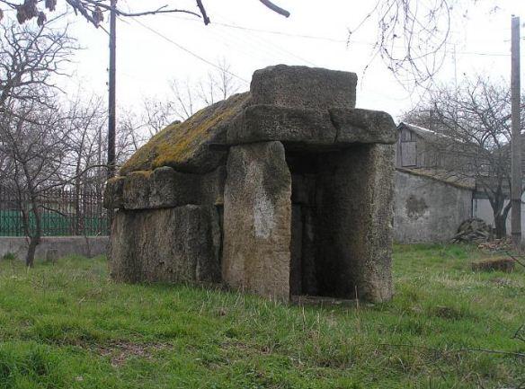 В чем отличия склепа от могил и особенности его устройства