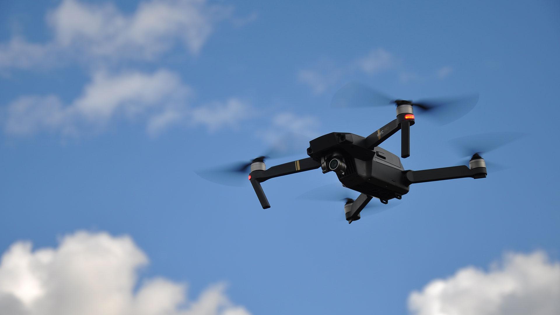 Квадрокоптер для перевозки человека: когда мы будем летать на дронах?