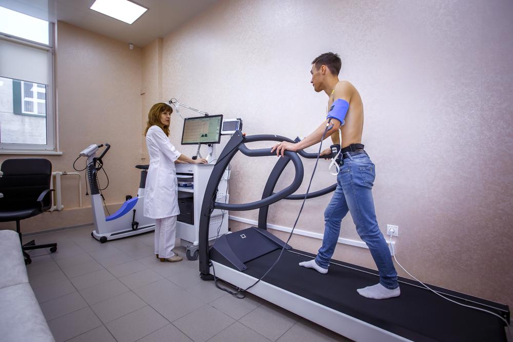 Тредмил-тест и велоэргометрия: показания и методика исследования