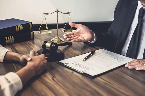 Как проверить юриста и не стать жертвой мошенников