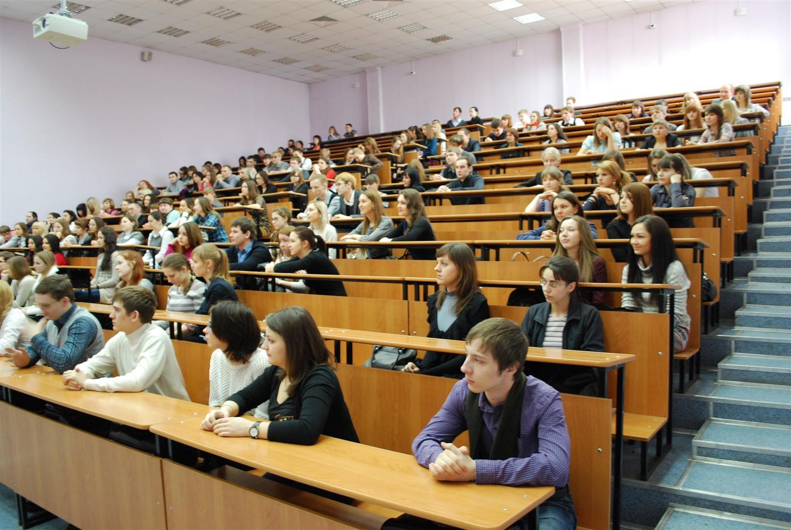 Что такое кафедра в университете, на каком уровне она связана со студентом