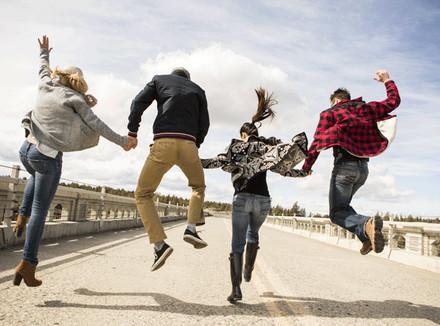 Что такое дружба и кого называют друзьями? какими качествами должен обладать настоящий друг? почему так важно иметь друга, как найти настоящего школьного друга, сохранить дружбу?