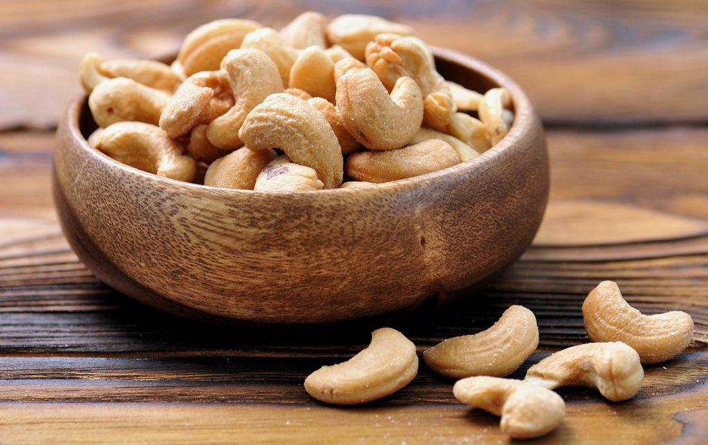 Орехи кешью: польза и вред для организма, сколько нужно съесть