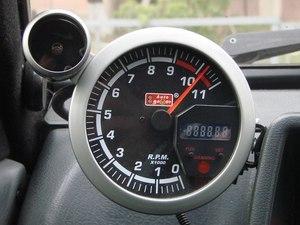 Что такое тахометр в автомобиле и как им пользоваться: принцип работы, как устройство измеряет скорость в машине, фото и видео для чего нужен и как должен работать