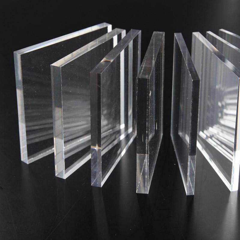 Оргстекло (33 фото): в чем разница между органическим и акриловым стеклом? листовое оргстекло на стол, гост и температура плавления, плотность и виды
