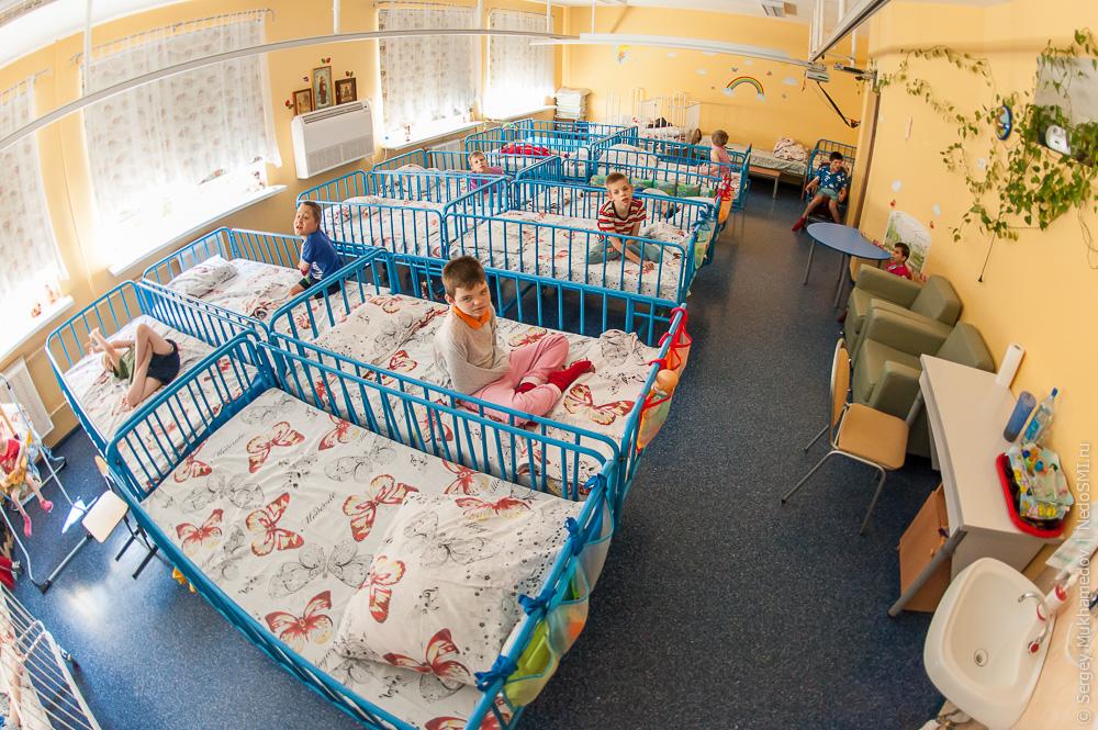 Школа-интернат и детский дом – что это и в чем разница
