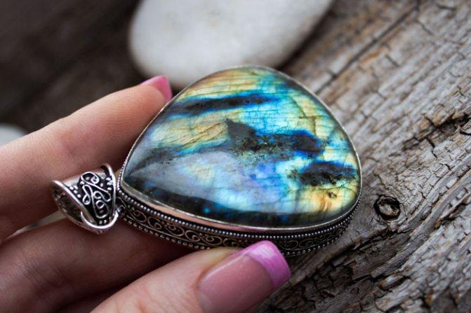 Перламутр – камень рожденный моллюском