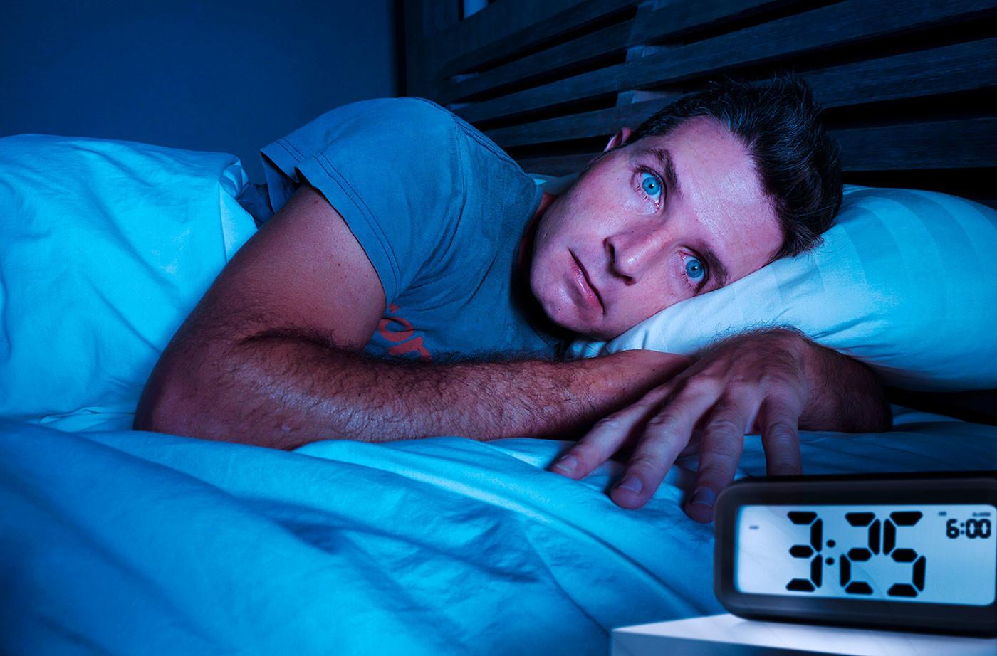 Нарушение сна — причины у детей, взрослых и пожилых, лечение и препараты