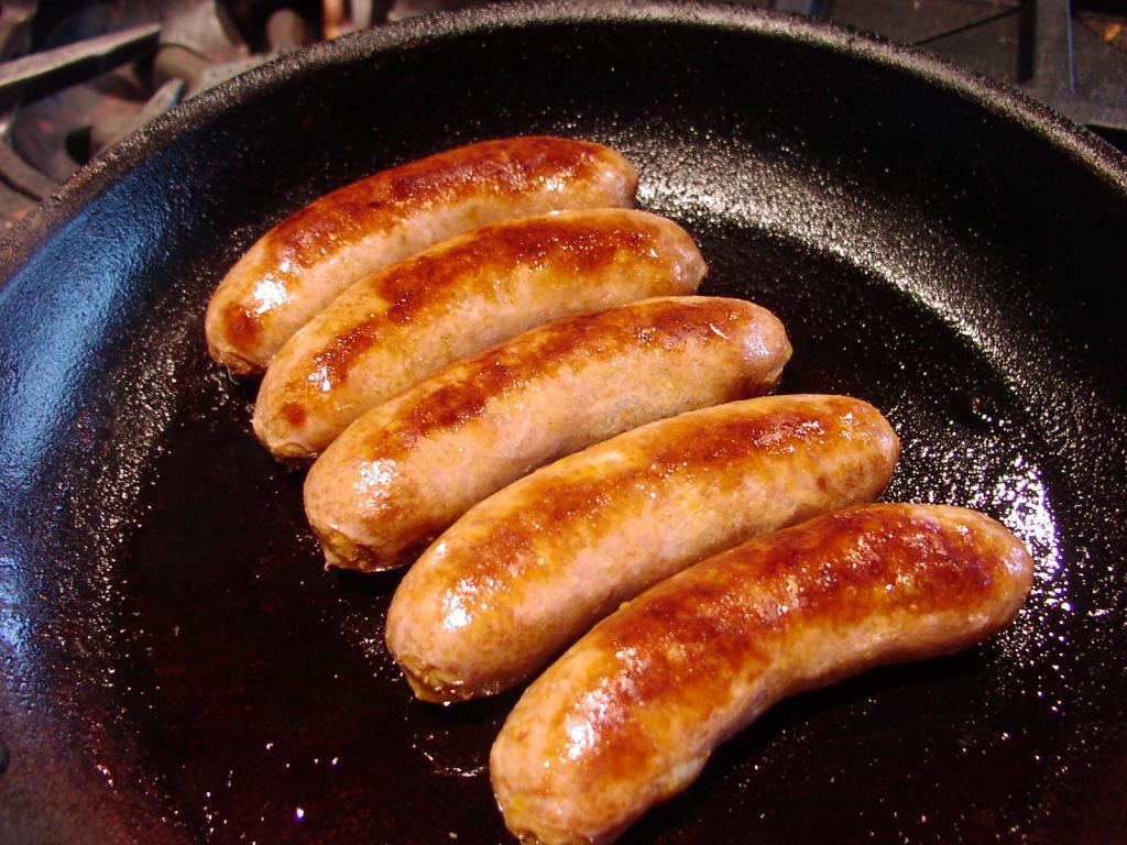 Купаты из свинины – кулинарный рецепт
