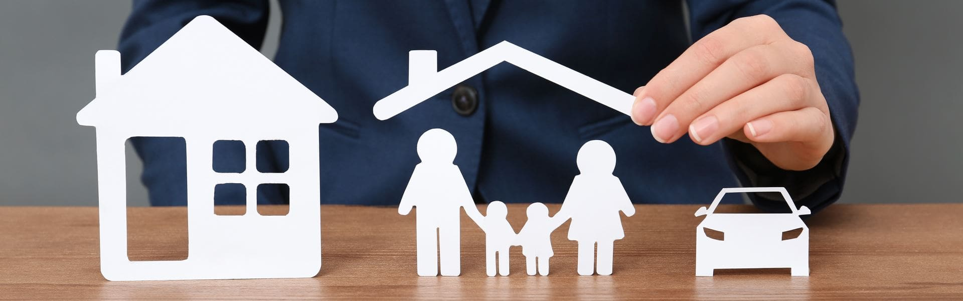 Как обезопасить свои деньги на покупку жилья: какова стоимость титульного страхования квартиры и что это такое?