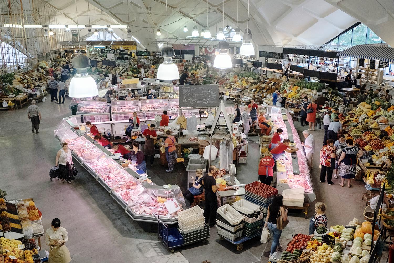 Товары и услуги: рынок – это в экономике
