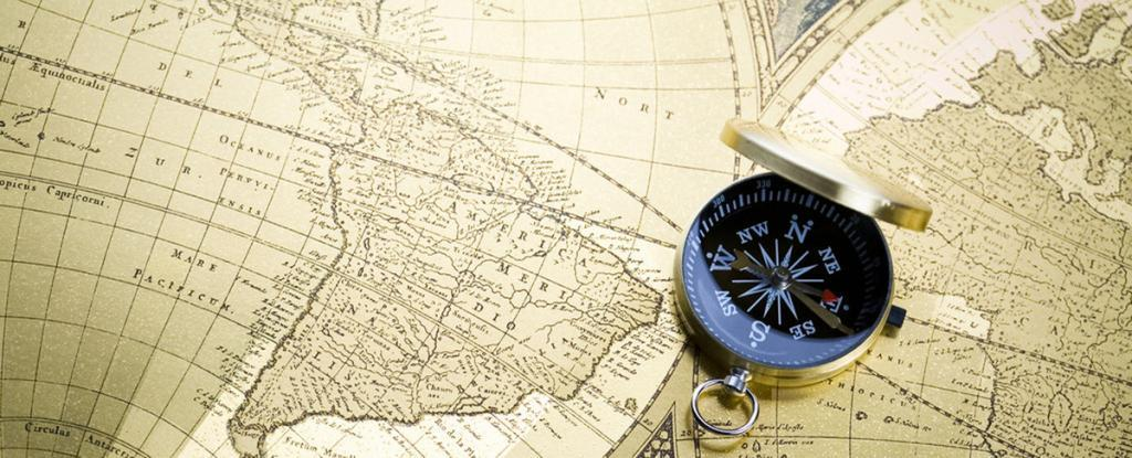 В чем разница между дирекционным углом и азимутом?