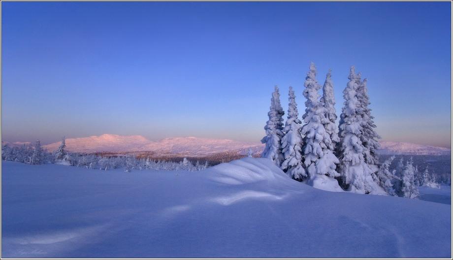 Что такое снег, как образуются снежинки? почему снег скрипит под ногами