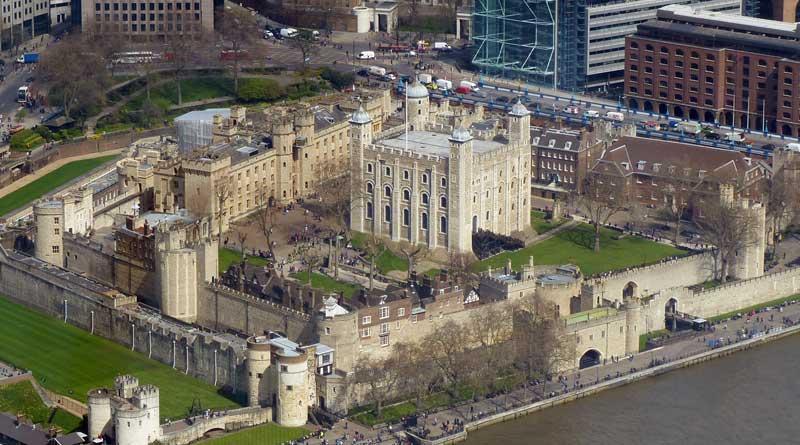 Лондонский тауэр: история замка с тюрьмой и обзор достопримечательности