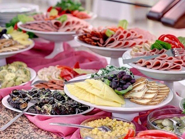 Что такое континентальный завтрак в гостинице