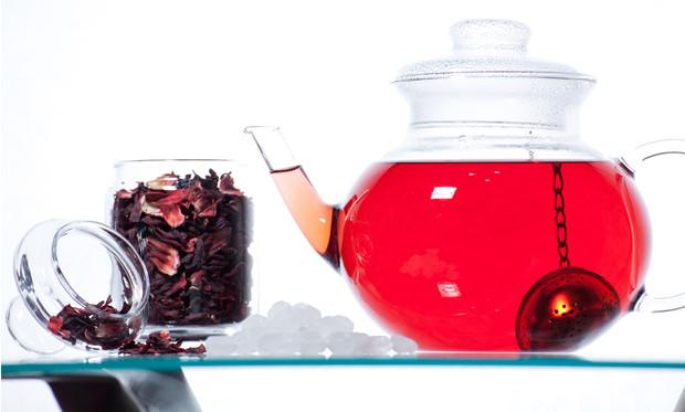 Каркаде? польза и вред, 17 свойств чая из суданской розы для здоровья