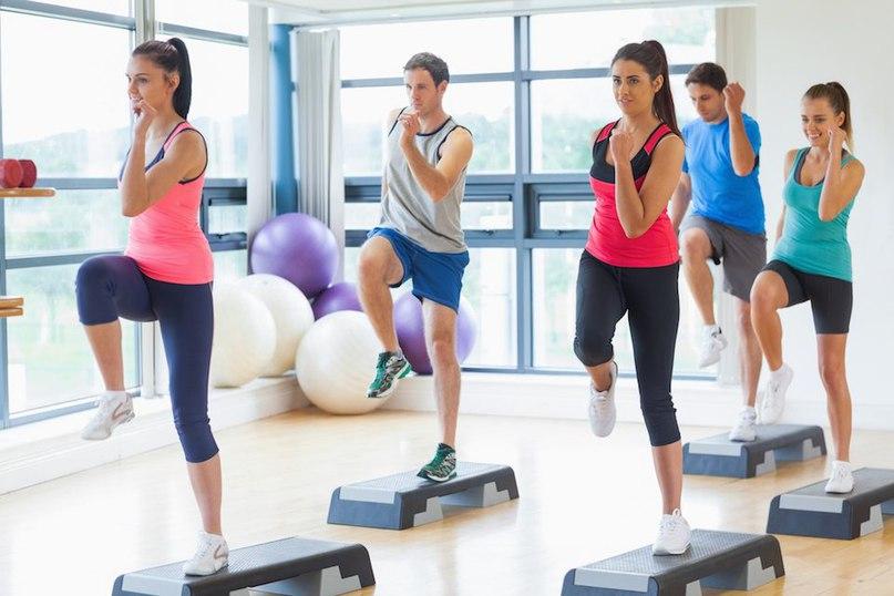 Что такое степ-аэробика: значение, польза, упражнения для начинающих