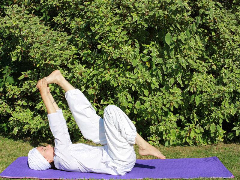 Кундалини-йога для начинающих: опасна ли эта практика, что говорит википедия