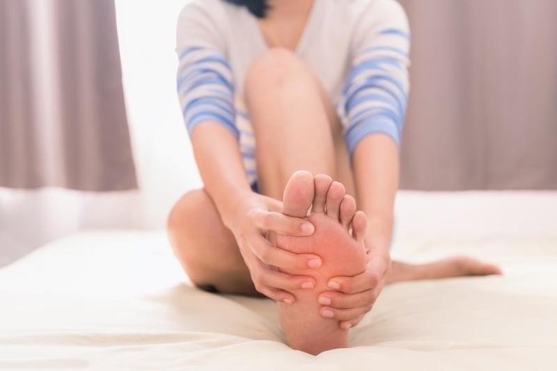 Судороги ног: причины и лечение, что делать, если сводит ноги – напоправку