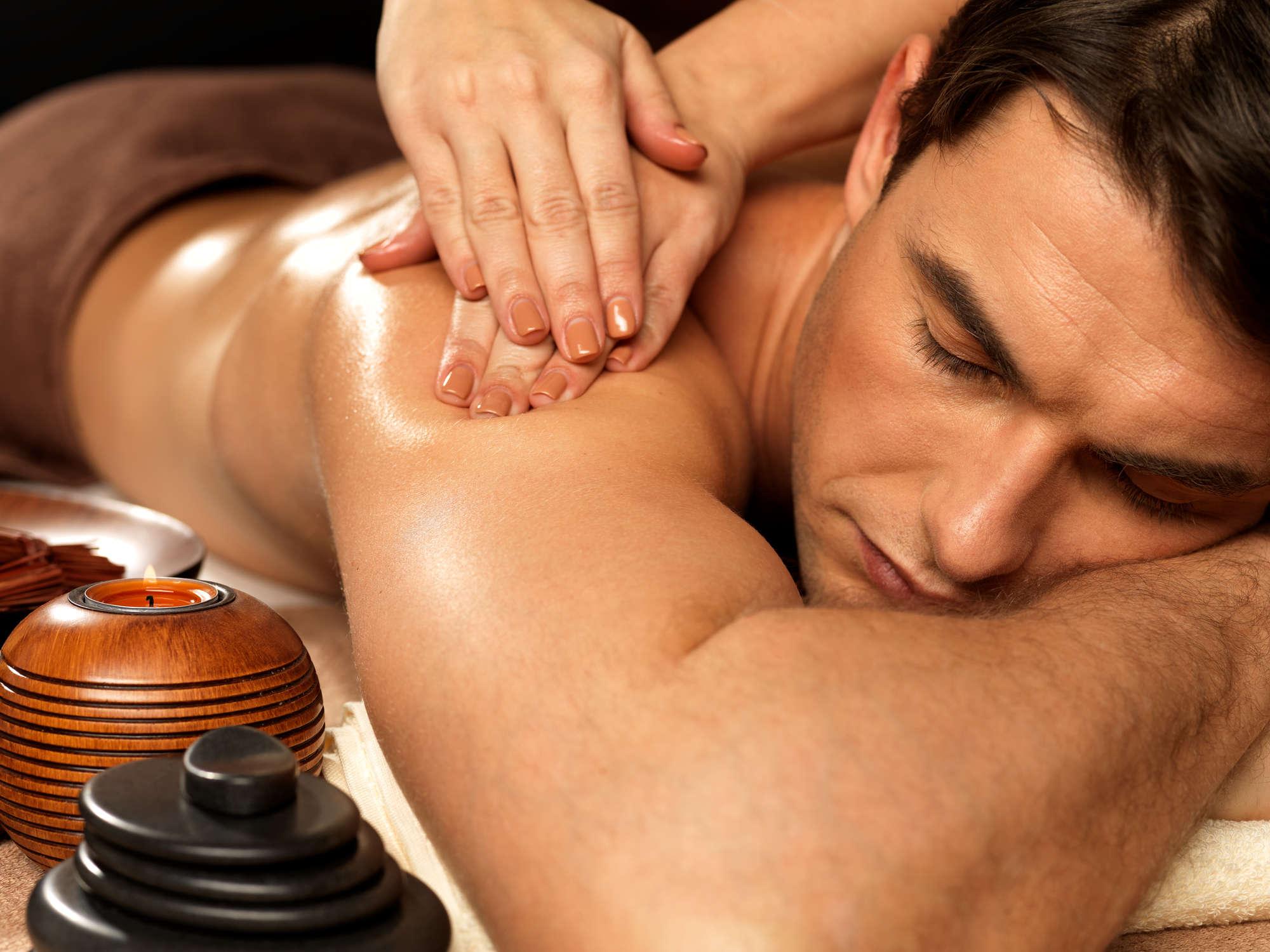 Возбуждающий массаж для мужчины в домашних условиях – техники массажа