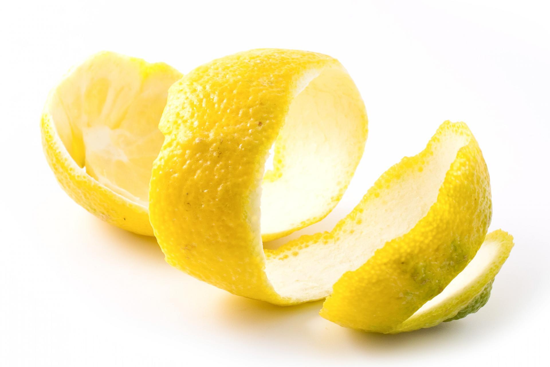 Цедра лимона: полезные свойства и применение