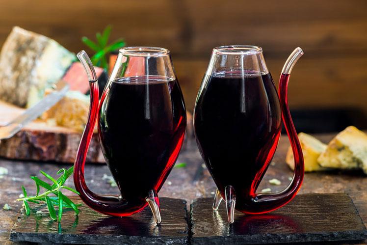 Как правильно и с чем пить портвейн?