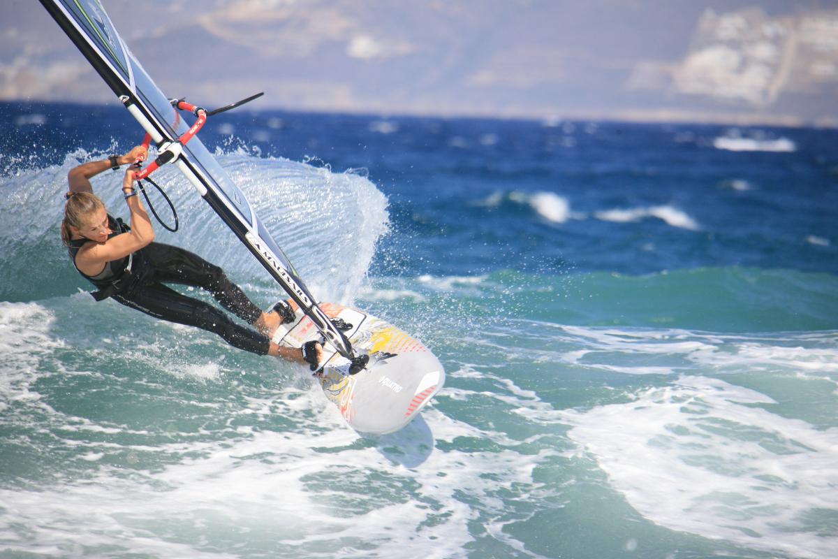 Что такое виндсерфинг и в чём отличие от серфинга?