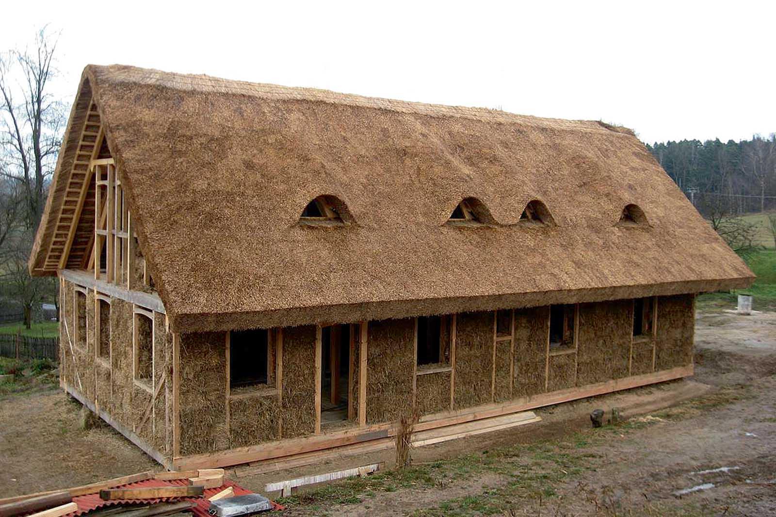 Саманный дом: проект, виды стройматериала, особенности