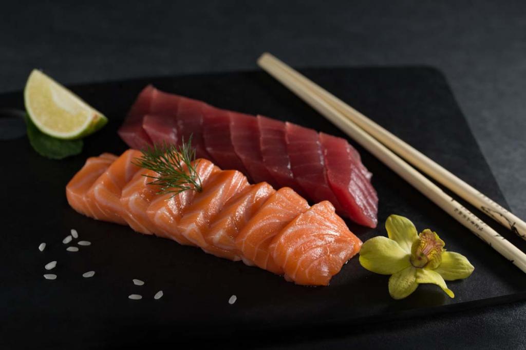 Чем отличаются суши от роллов - от сашими, фото
