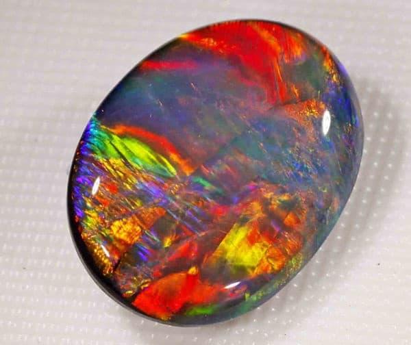 Голубой опал — камень цвета предрассветного неба