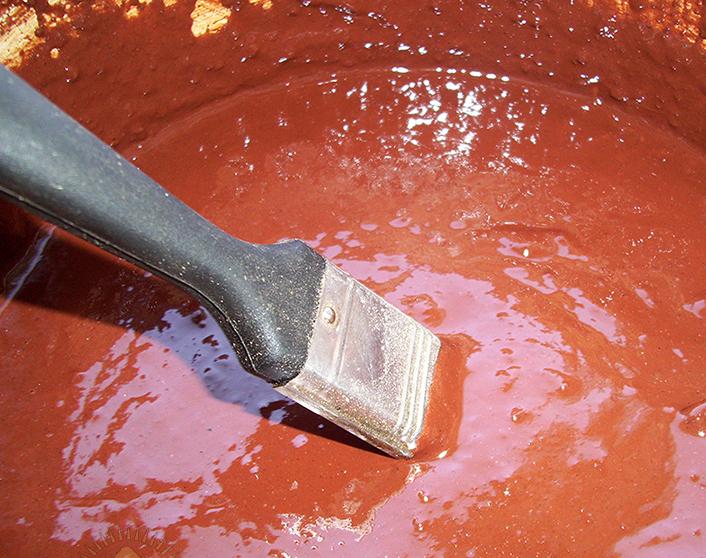 Для чего нужна сурик натуральная краска? железный и свинцовый — применение по дереву и металлу +видео