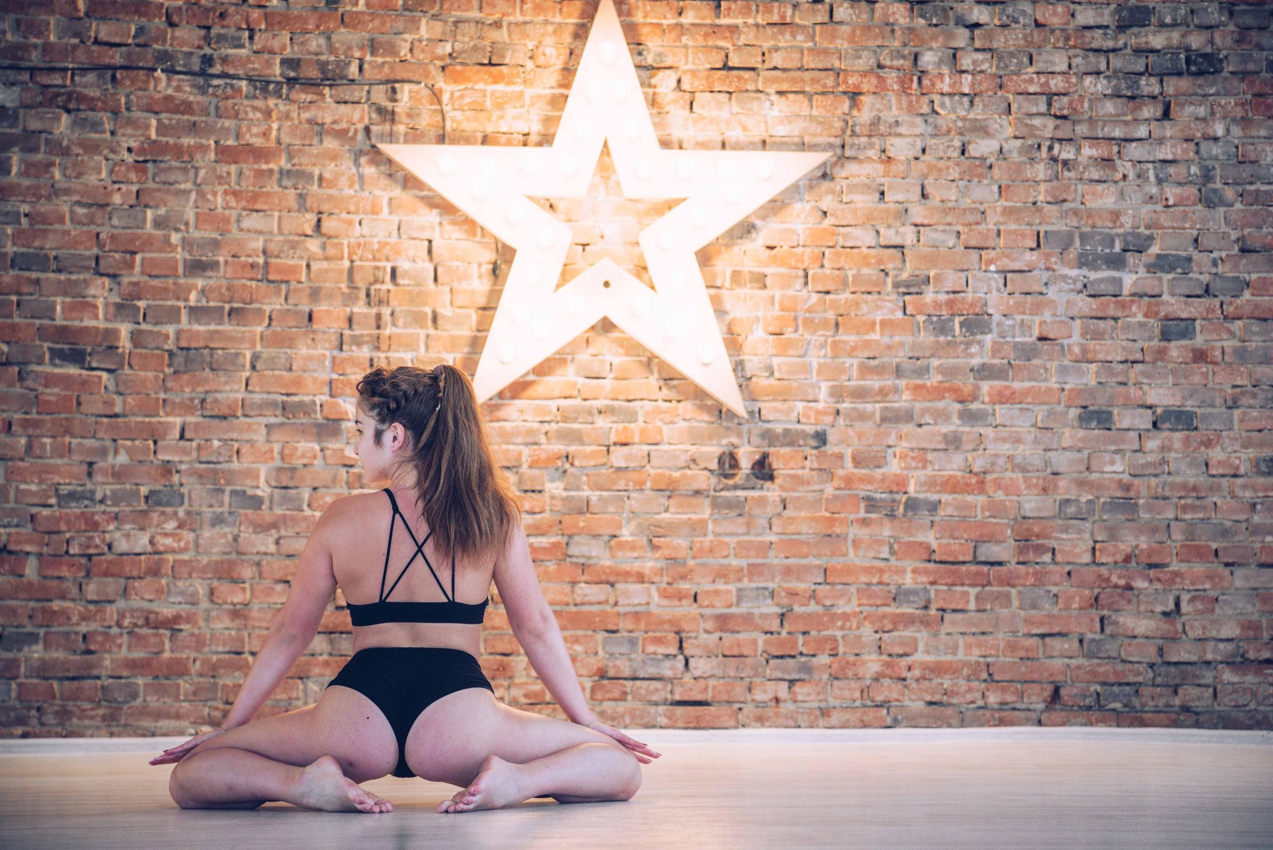 Как научиться танцевать тверк и освоить другие новые виды фитнеса - афиша daily