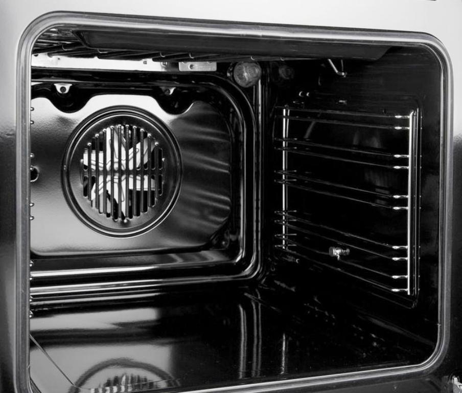 Пиролитическая чистка духовки: что это такое?