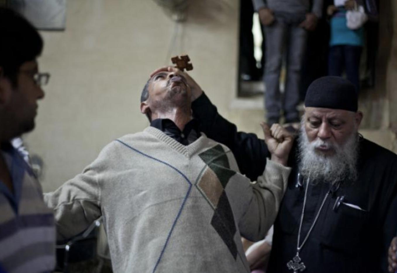 Как происходит обряд экзорцизма — этапы ритуала, тексты молитв и требования к экзорцистам