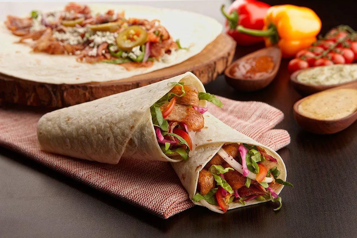Донер кебаб - что это такое, перевод слова с турецкого на русский, а также рецепт блюда с составом, как приготовить и можно ли сделать в домашних условиях?