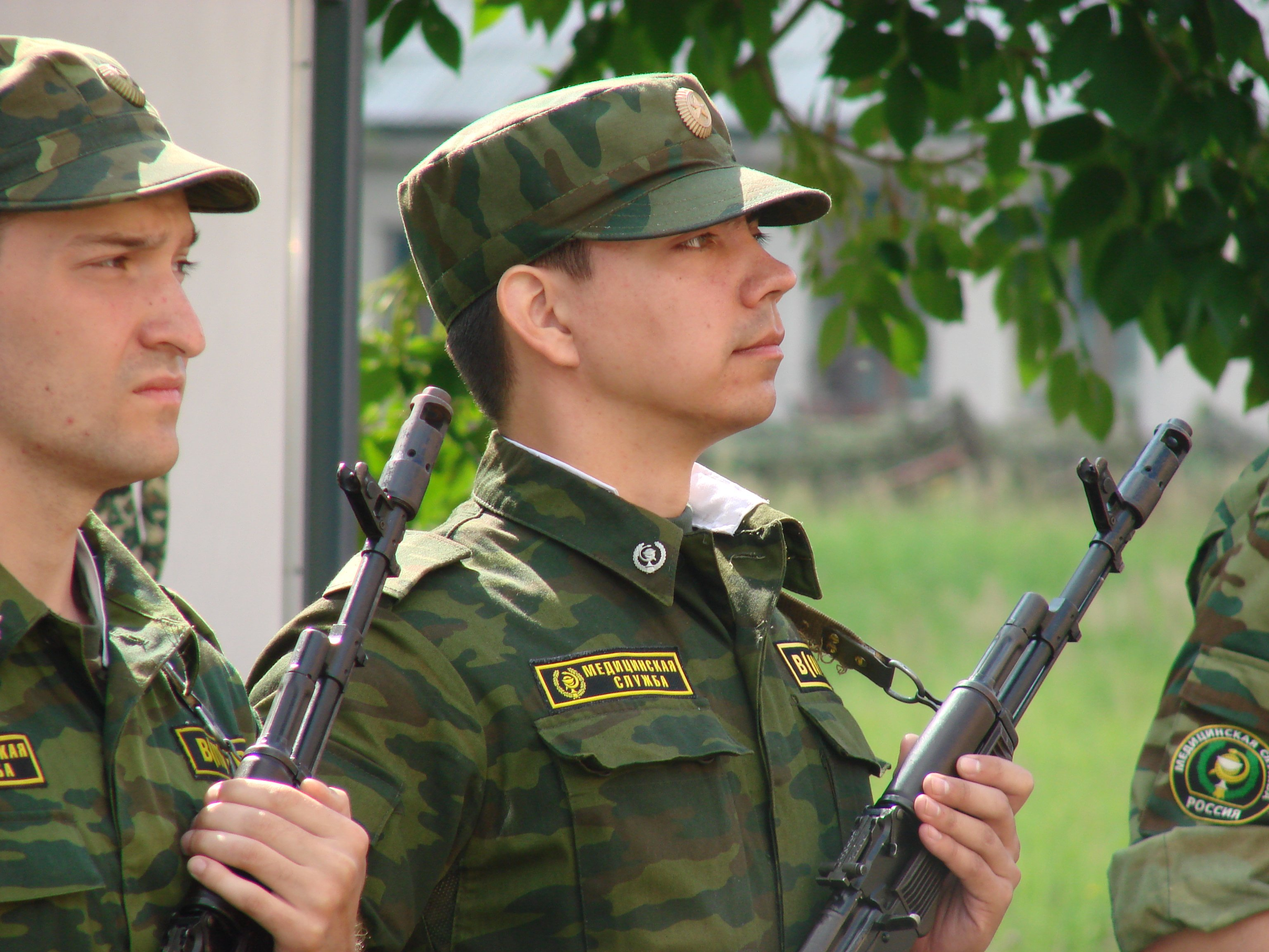 Иерархия в армии и как называют солдат (слон, черпак, космос, дух и другие)