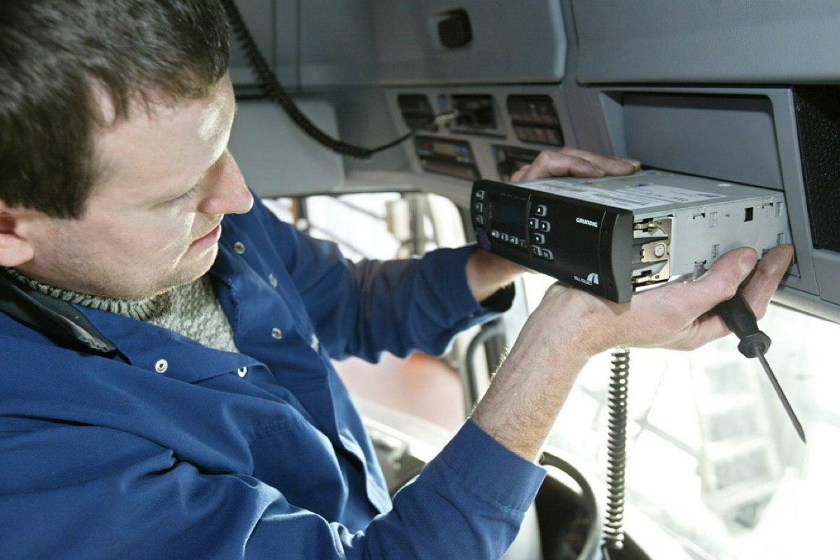 Назначение и принцип работы тахографа на грузовой автомобиль