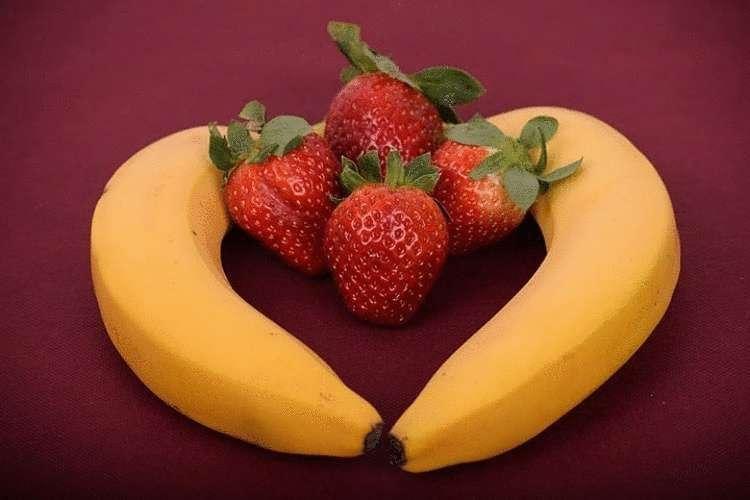 Клубника - это орех или ягода? что это такое с точки зрения науки, и как это объясняется, отличие от земляники