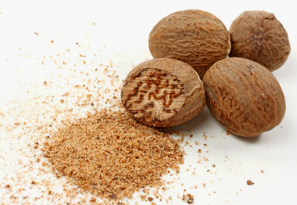 Мускатный орех: польза, противопоказания и как употреблять