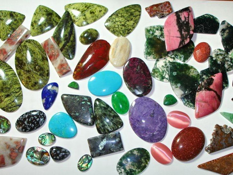 Что такое кабошоны из натуральных камней, каких они бывают видов, как из производят?