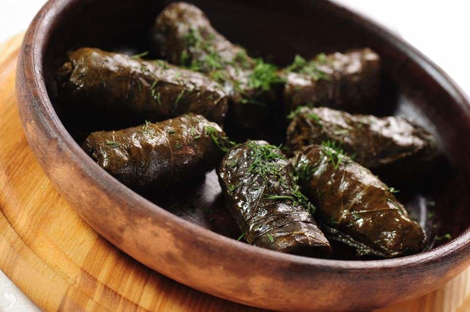 """Долма из виноградных листьев """"ярпаг долмасы"""" – кулинарный рецепт"""
