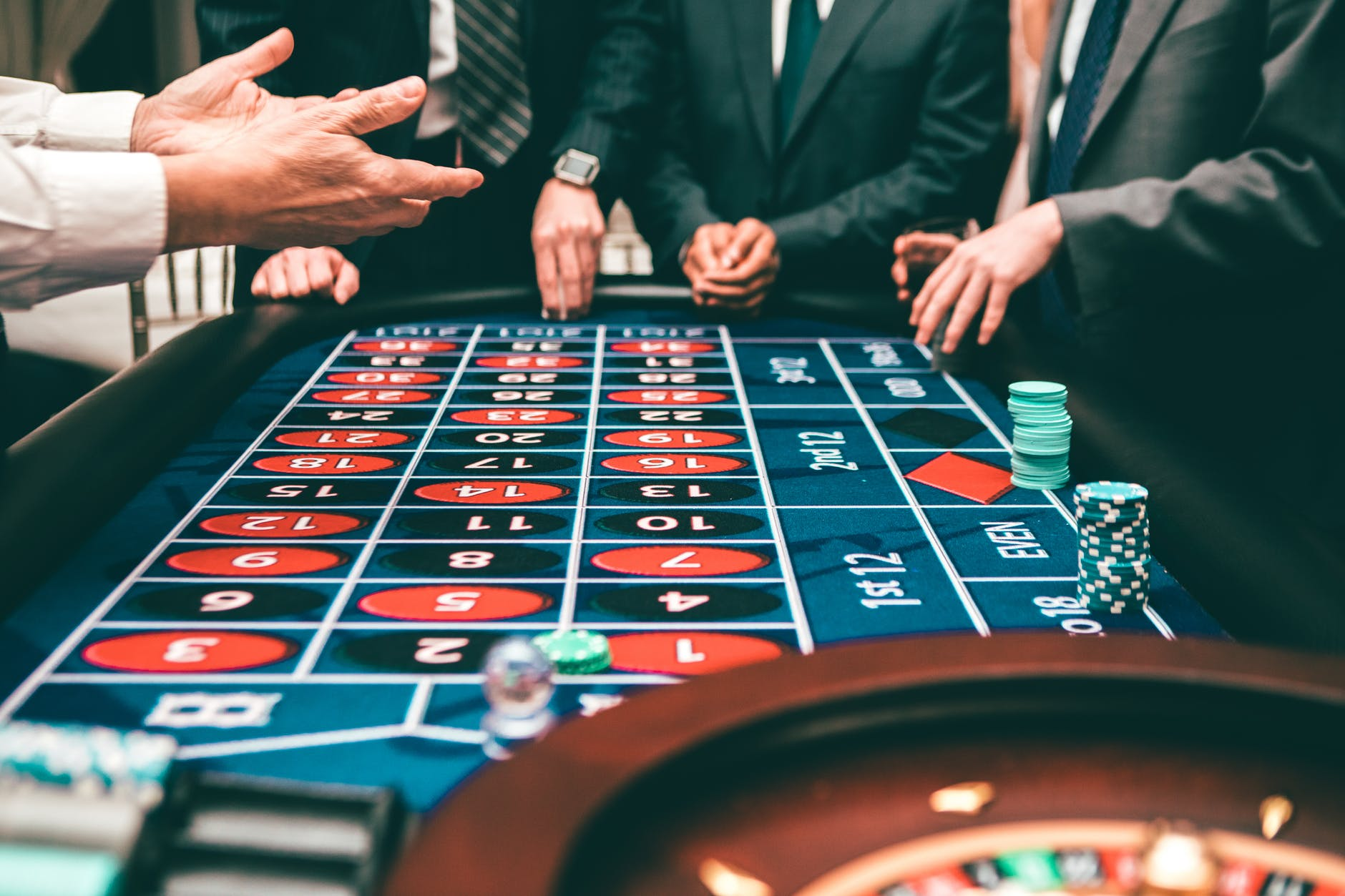 Что такое гэмблинг? заработок на казино партнерках