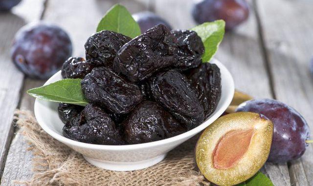 Чернослив: польза и вред для организма, калорийность, состав
