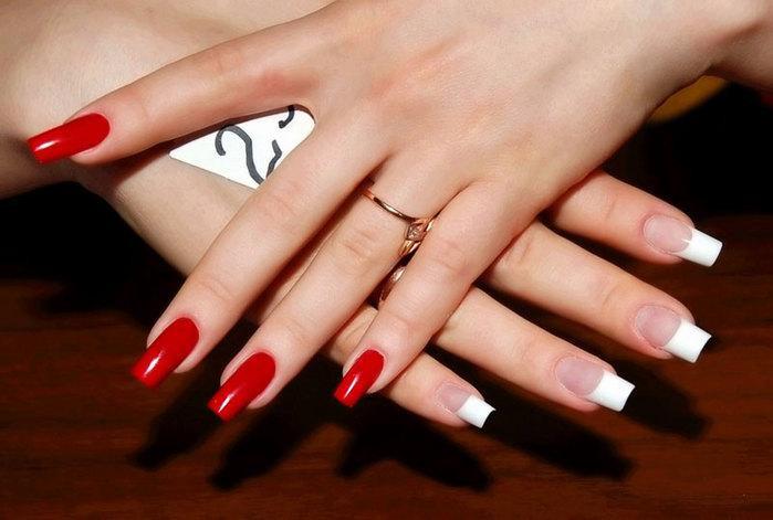 Как делают коррекцию наращенных ногтей?