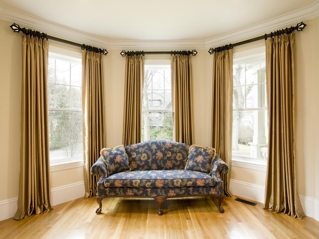 Карнизы для штор (70 фото): что это такое и какие виды бывают, как выбрать кронштейн и крепления для декора окна, какой лучше