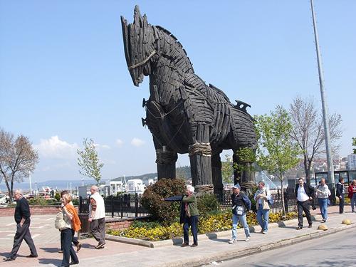 Что значит троянский конь. история и смысл выражения