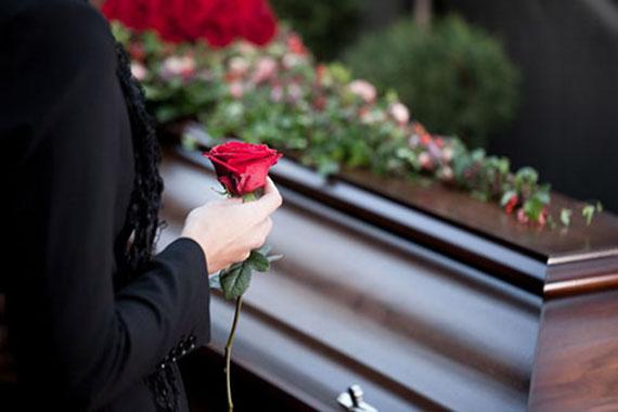 Саван: что это и как сшить для покойника своими руками